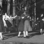 танцы после войны. Мама вторая слева.