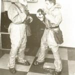 сержант Саша Богачёв одевает ОЗК